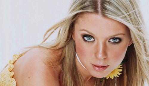 Tara Reid Takes The High Road After Elizabeth Banks Diss