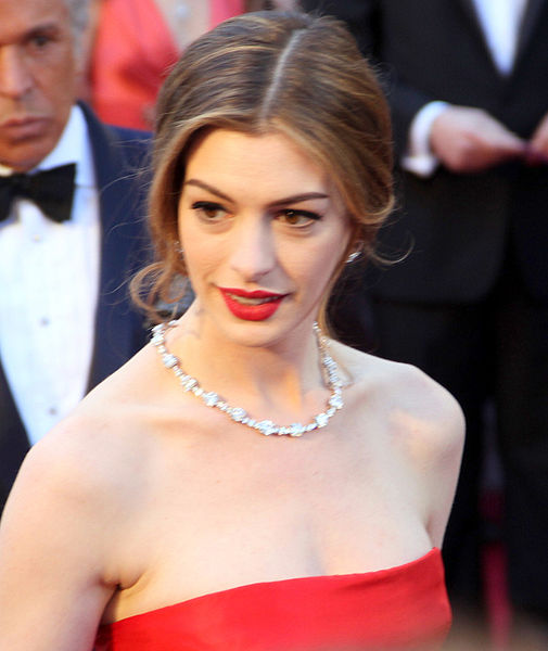 Anne Hathaway Actress: Hathaway Wants To Have A Baby With New Husband