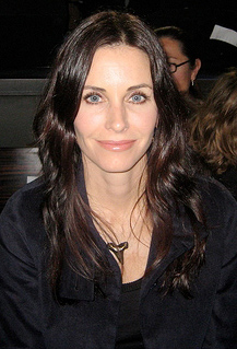 "Courteney Cox Promise: ""I Will Show My Boobs"""