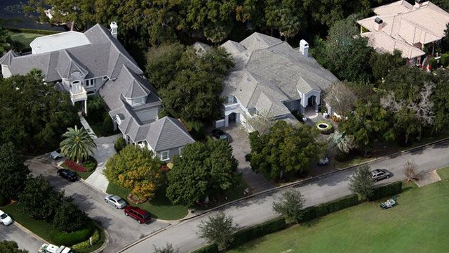 tiger woods house bought by bubba watson