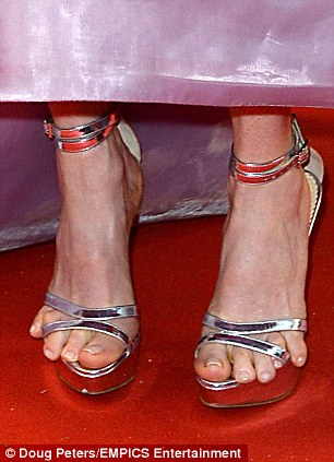 Julianne Moore Toes A Tight Fit At Cannes Dbtechno