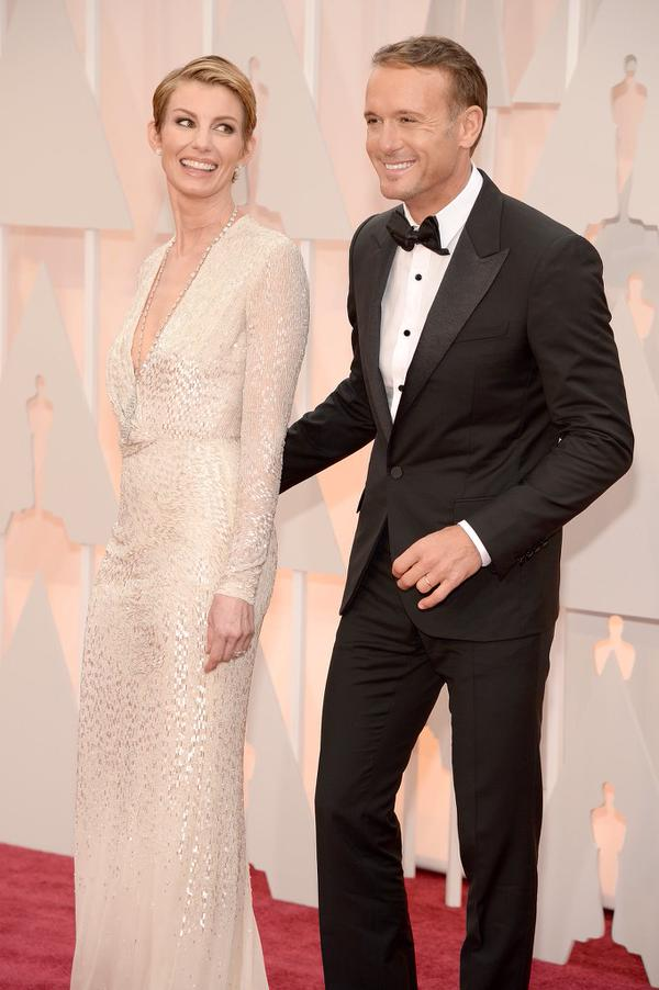 """On Twitter Tim McGraw posted """"No one else I'd rather be here with. @FaithHill #Oscars """""""