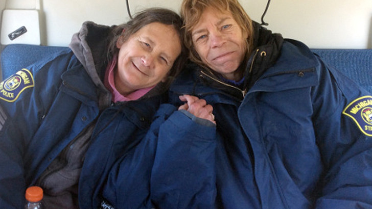 Sisters Survived On Cookies For Two Weeks (PHOTO)