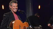 Randy Travis Make Rare Appearance At ACM's (VIDEO)
