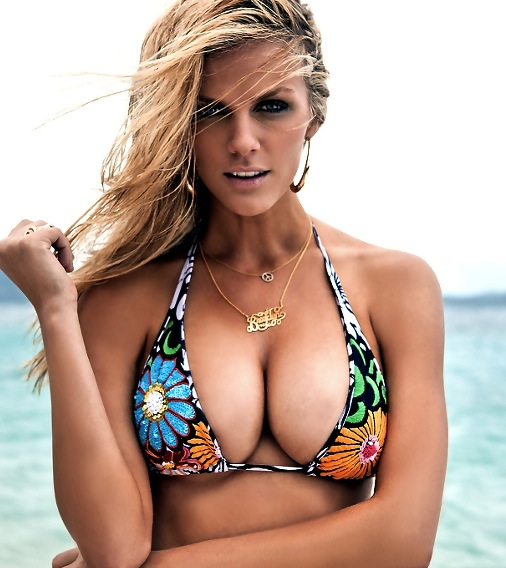 Brooklyn Decker Is Pregnant  Brooklyn Decker