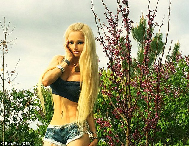 Valeria announced the new photos were in honour of the arrival of spring