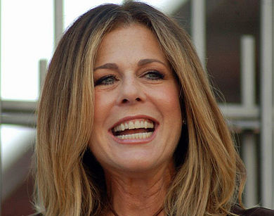 Rita Wilson Stuns On Red Carpet Following Breast Cancer Diagnoses