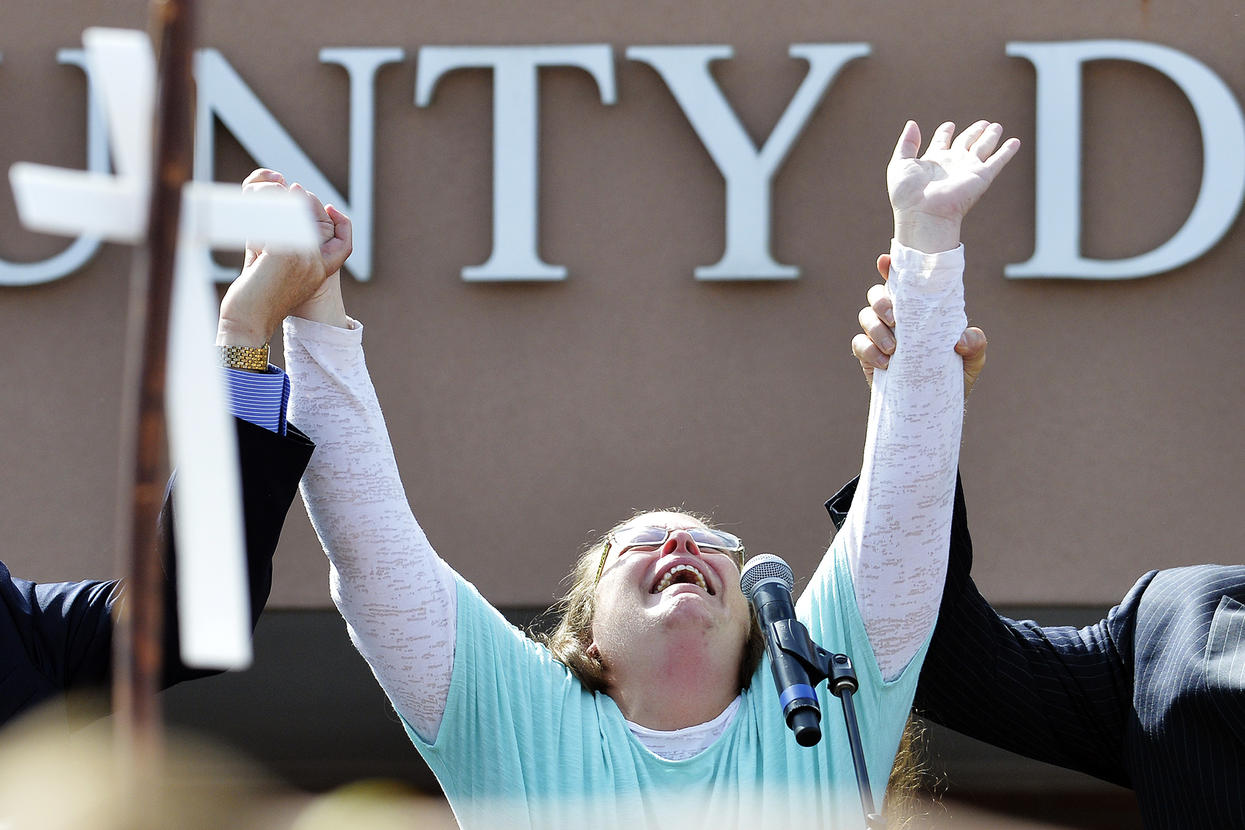Kim Davis: clerk could be back in court soon