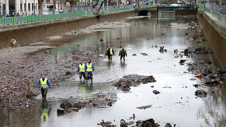 canal saint martin drained for first time in 15 years